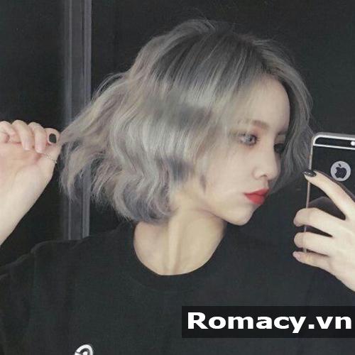 Tóc ngắn uốn xoăn sóng nước phong cách Hàn Quốc