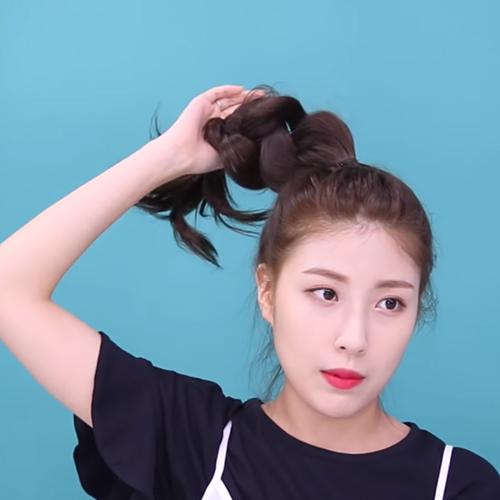 Bật mí 3 kiểu tóc búi cao gọn gàng xinh xắn cực dễ làm - Ảnh 9
