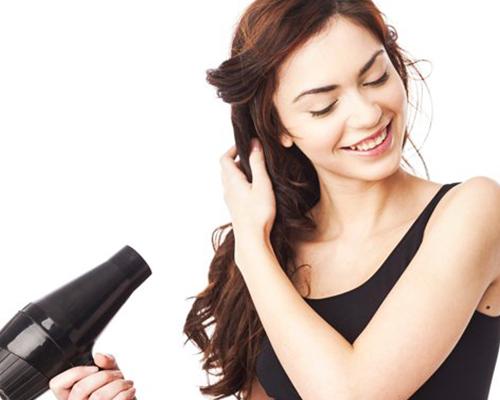Hô biến tóc mỏng thưa thớt thành tóc dày bồng bềnh qua 4 bước đơn giản - Ảnh 3