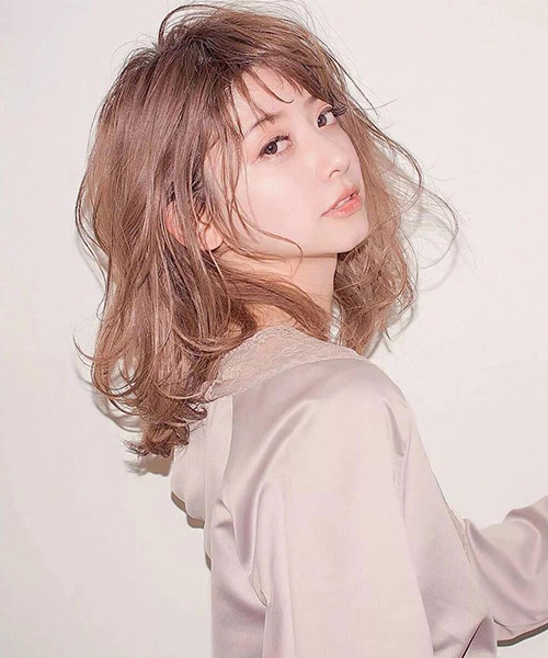 Kiểu tóc uốn xoăn nhẹ Hàn Quốc tuyệt đẹp cho chị em công sở - Ảnh 9
