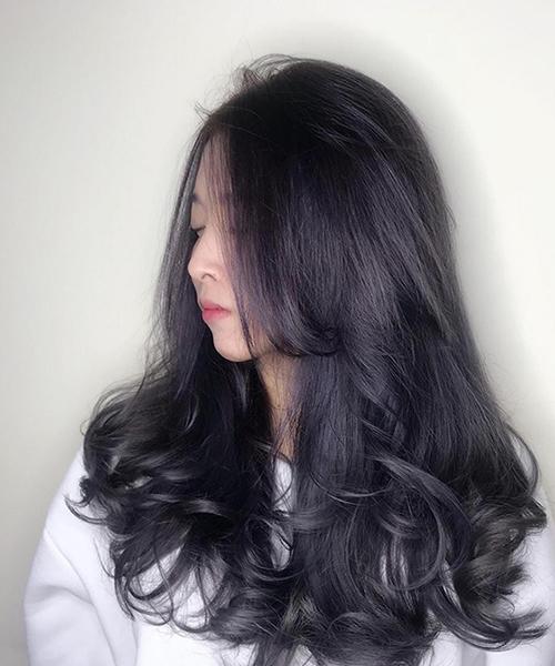 Kiểu tóc uốn xoăn nhẹ Hàn Quốc tuyệt đẹp cho chị em công sở - Ảnh 1
