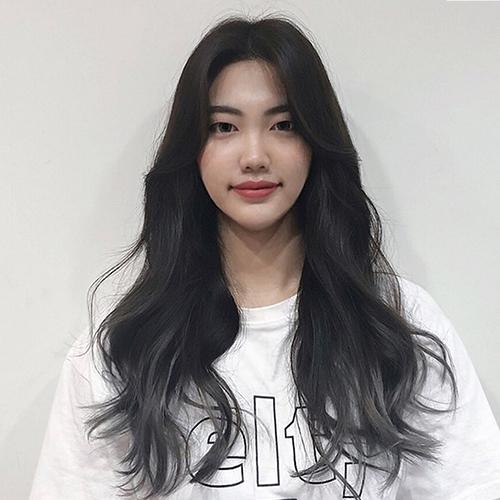 Kiểu tóc uốn xoăn nhẹ Hàn Quốc tuyệt đẹp cho chị em công sở - Ảnh 5
