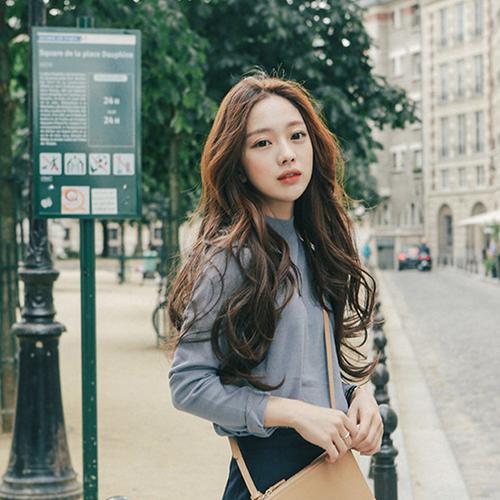 TOP 5 kiểu tóc uốn gợn sóng đẹp chuẩn style Hàn - Ảnh 13