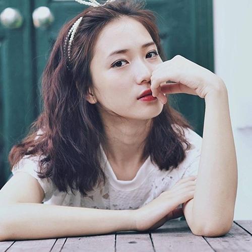 TOP 5 kiểu tóc uốn gợn sóng đẹp chuẩn style Hàn - Ảnh 10