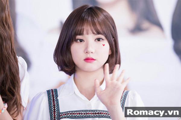 21 Kiểu tóc ngắn cho khuôn mặt tròn đẹp nhất 2018