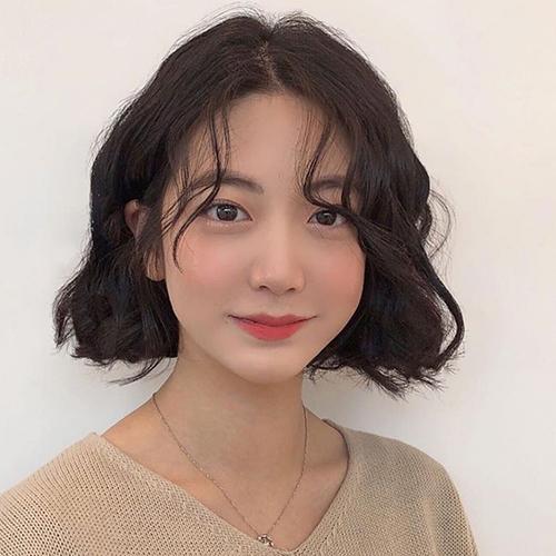 10 Kiểu tóc ngắn xoăn sóng dễ thương phù hợp mọi khuôn mặt