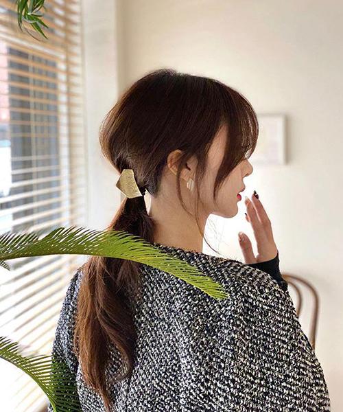 Mách nàng 4 kiểu tóc cực xinh chỉ với 1 chiếc kẹp càng cua
