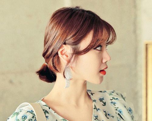 7 kiểu biến tấu cực xinh với tóc ngắn uốn