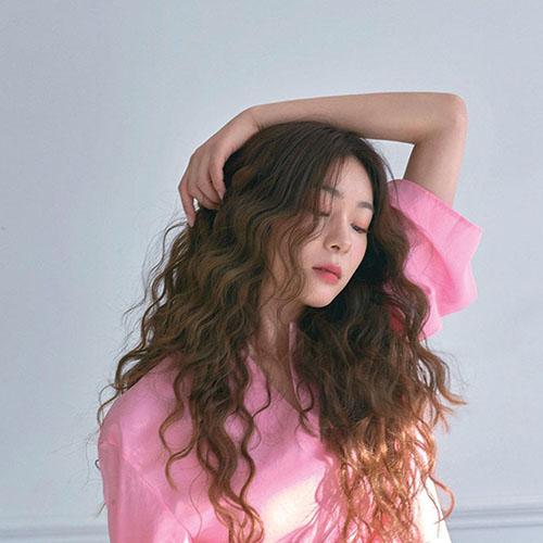 TOP 7 kiểu tóc dài xoăn sóng thời thượng khiến nàng mê tít